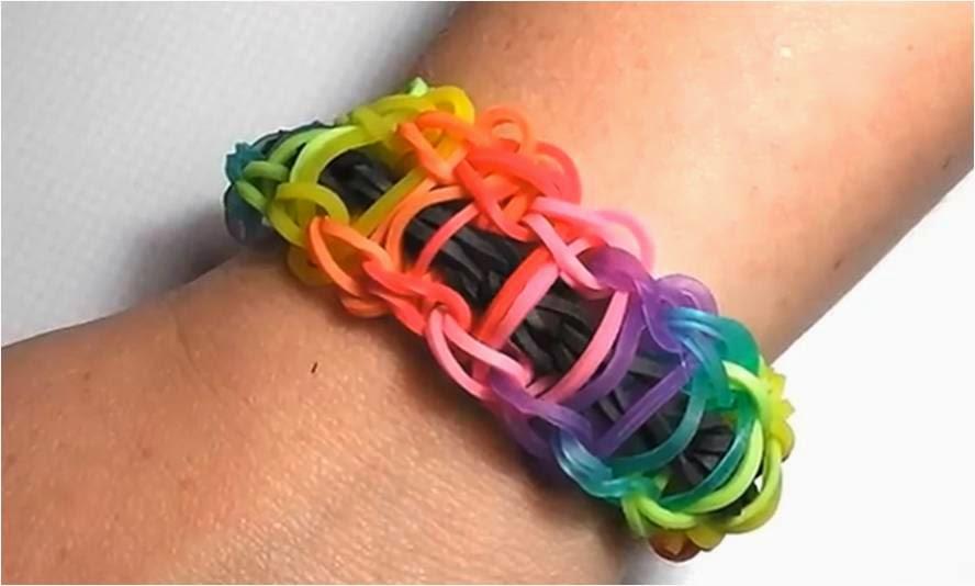 Cómo hacer una pulsera de gomas tipo Rainbow Ladder o escalera de arcoiris