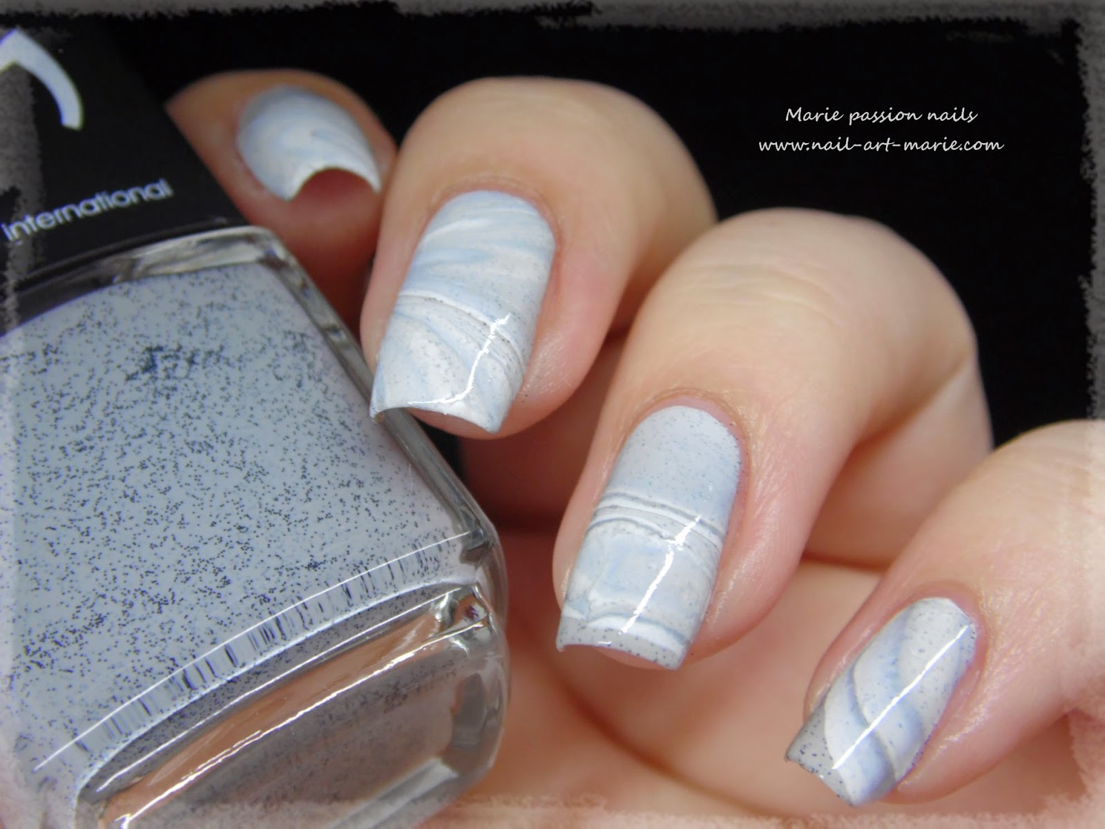 Nail Art effet Marbe au Water Marble2