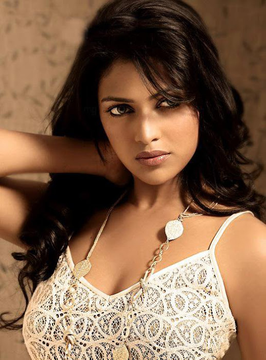 amala paul snaps hot images