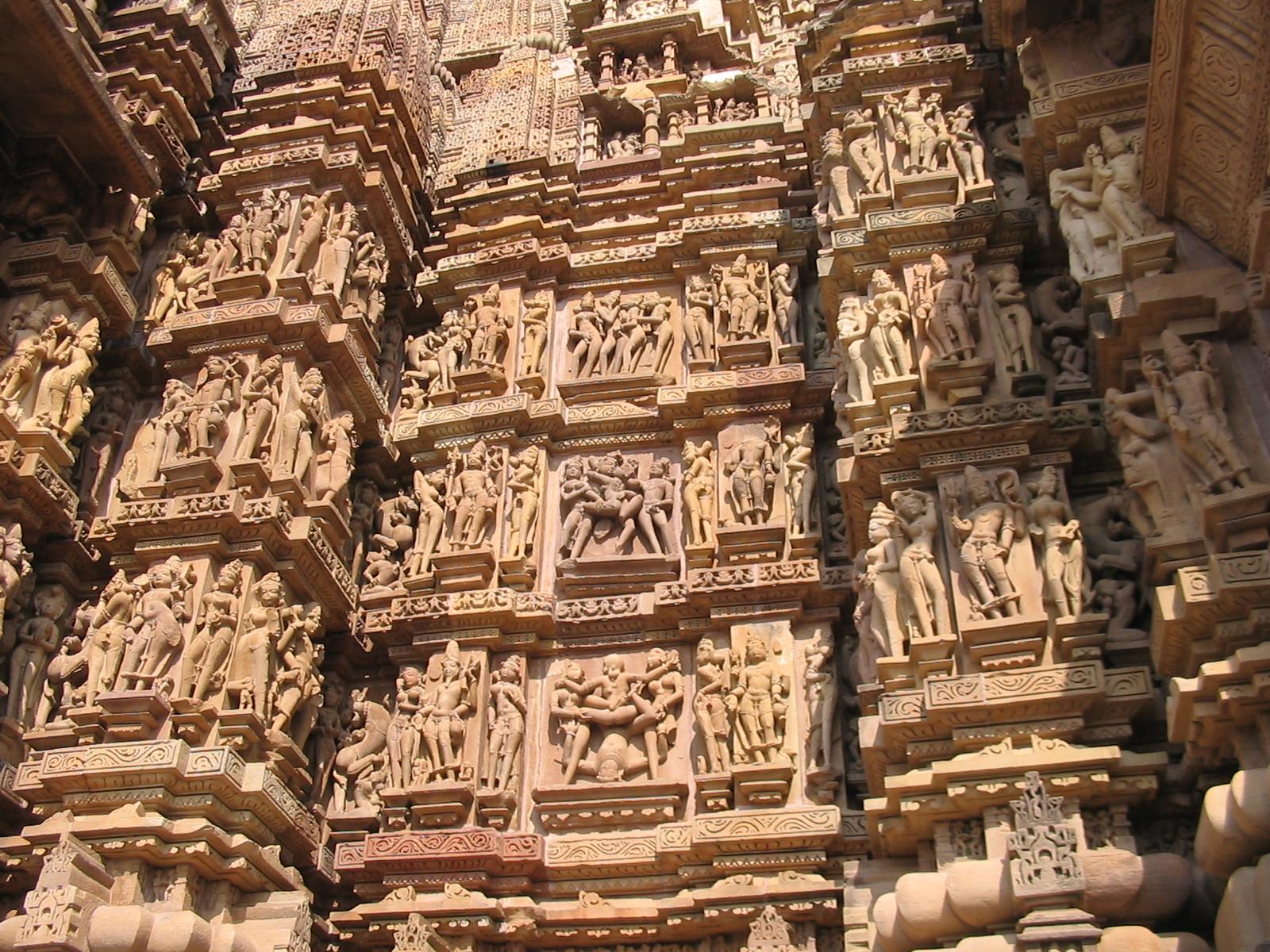 hram-v-indii-s-seksualnimi-figurami