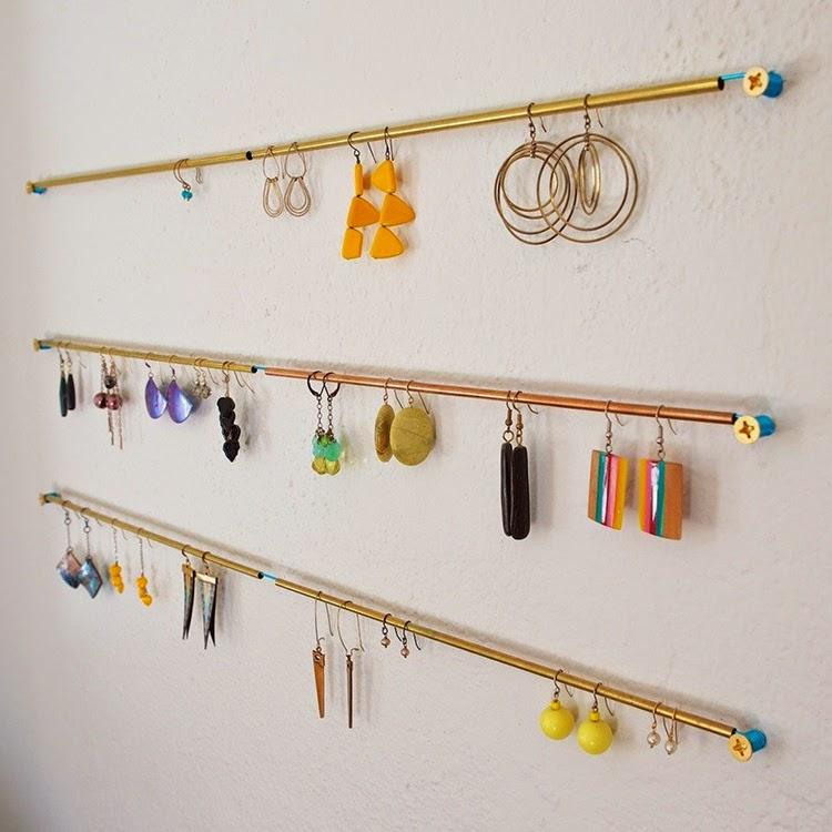 Diy Modern Hanging Jewelry Organizer: DIY Monday # Modern Jewelry Holders