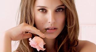 "<img src=""http://2.bp.blogspot.com/-C5tZxzT4wg0/UbyfFEpSMnI/AAAAAAAAAeU/I5Y6Lv7IcAk/s1600/Natalie+Portman.jpg"" alt=""Natalie Portman""/>"