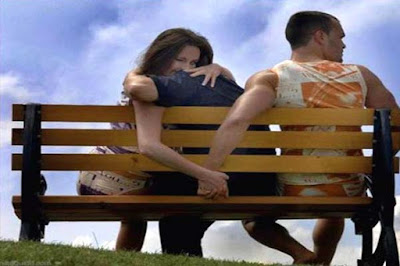 نساء متزوجات في أحضان رجال غير أزواجهن