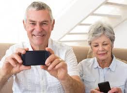 Seniors+taking+pictures.jpg