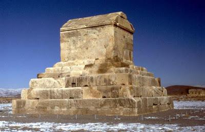 Pasargad Kenti - Büyük Kiros Mezarı