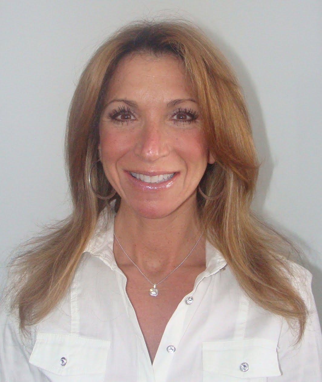 Dentistry on Dundas: Laurie's Dental Makeover!
