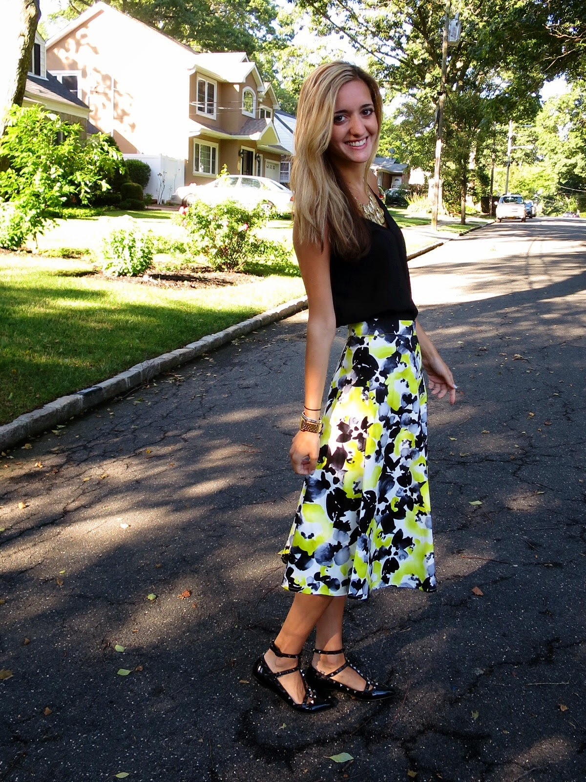 black & yellow summer outfit