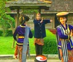 Tari Kretek Kudus (Jawa Tengah)