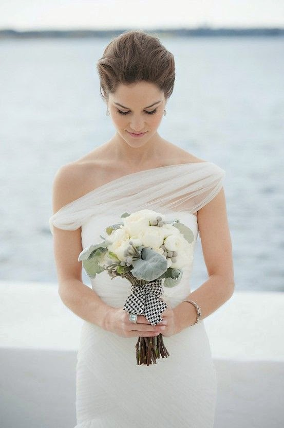 http://www.intimateweddings.com/blog/simple-sleek-minimalist-bride-fashion-inspiration/
