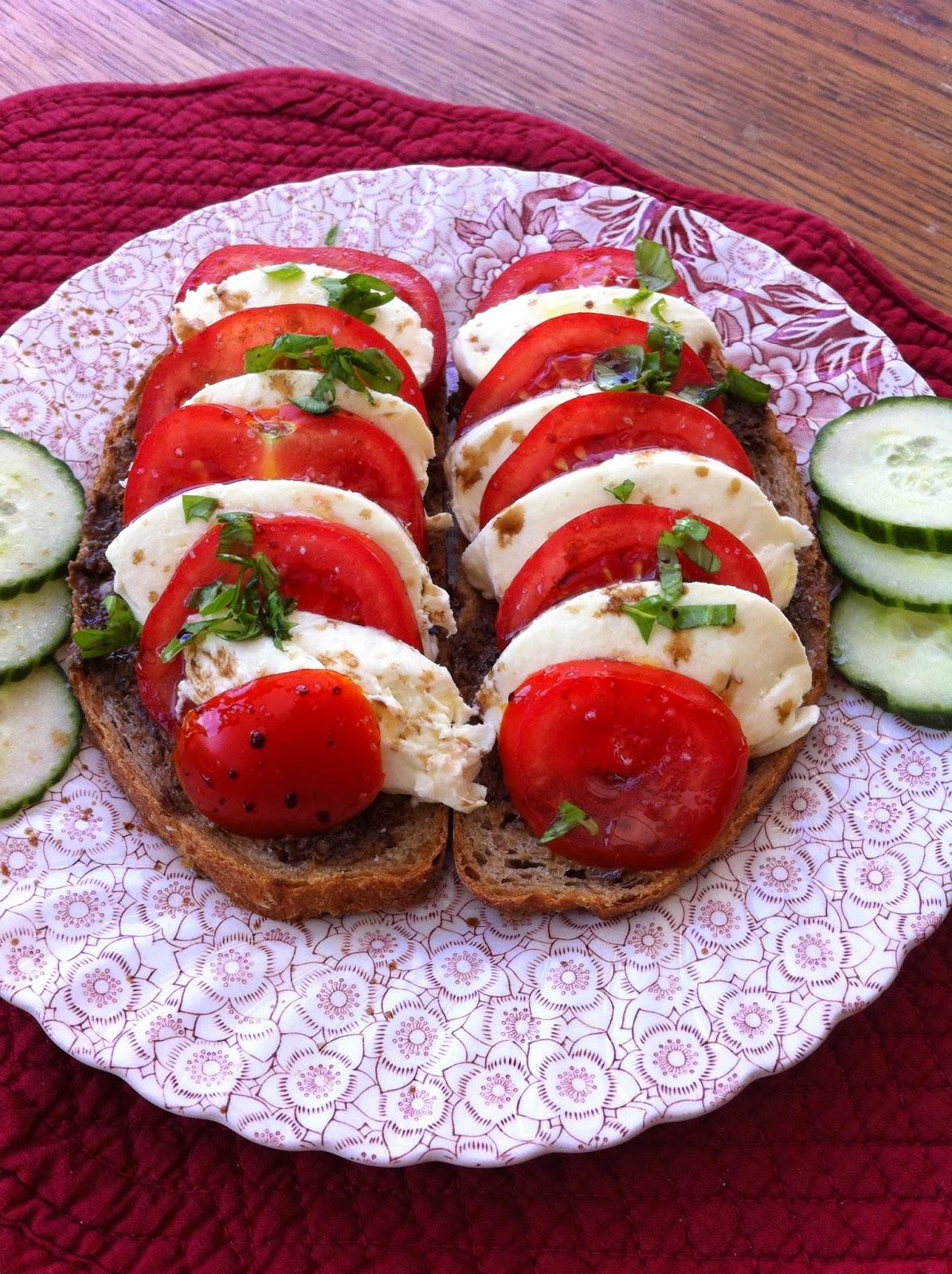 tartine mozzarella tomate