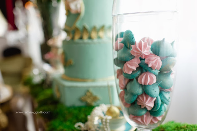 Marie Antoinette Wedding Inspiration Sweet Table Photo Shoot by Cupcake et Macaron Montreal Dessert Table Wedding Cake