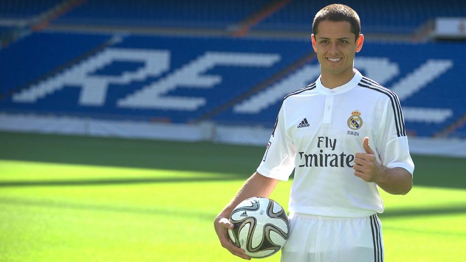 Javier Chicharito Hernandez presentado con el Real Madrid de España. El futbolista mexicano jugará a préstamo por una temporada, proveniente del Manchester United (donde no jugaba, y ahora menos) | Ximinia