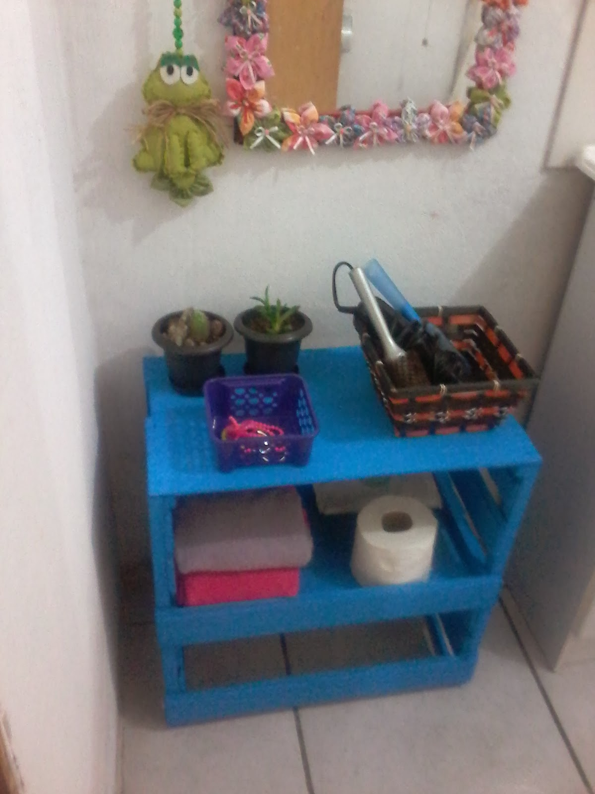 Armario Ikea Pax Blanco ~ MIMANDO MINHA CASINHA Armário para banheiro de caixote de feira