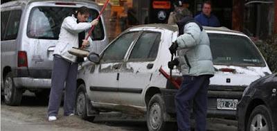 Limpia ceniza automóvil