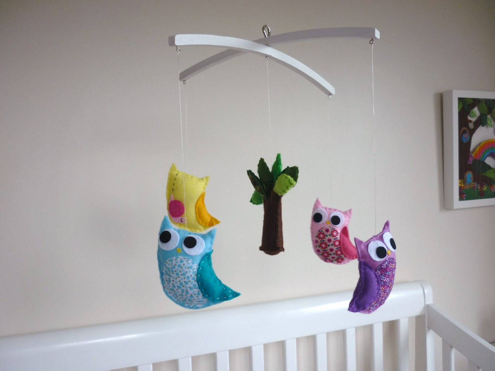 Maisie moo new owl and wee critter friends baby mobile for Diy baby mobile felt