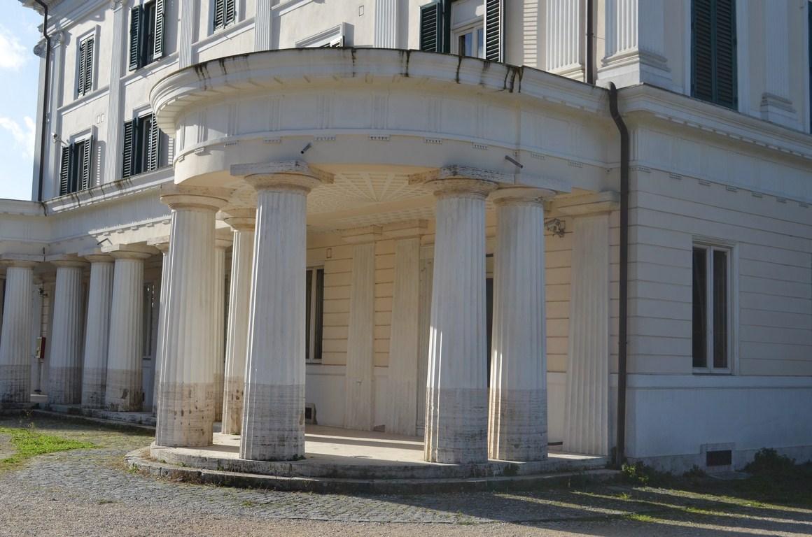I viaggi di raffaella roma il casino nobile di villa for Aggiornare le colonne del portico