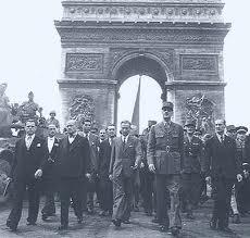 de_gaulle_liberation_paris_leclerc_rol_tanguy_db_aout_1944_champs_elysees_discours_balcon_hotel_de_ville_ffi