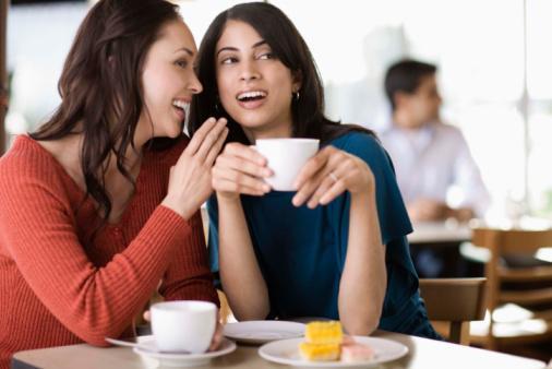 كيف تكونى محبوبة من الاخرين - نساء تتحدث تتكلم - الغيبة - النميمة