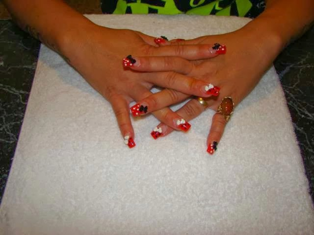 CRAY MINI MOUSE DESIGN WITH THE DOTS & BOWS ACRYLICS