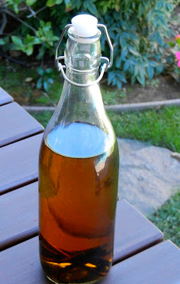 How to Make Your Own Vanilla Extract- www.NourishingSimplicity.org