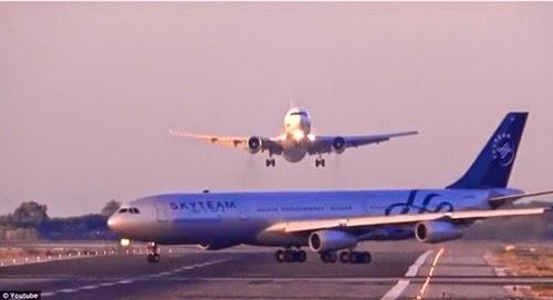 2 pesawat hampir berlanggar di Airport Barcelona, pesawat bertembung di barcelona