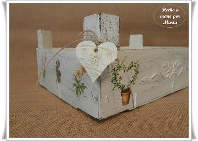 Las manualidades de marta caja de fresas reciclada - Como decorar cajas de madera de fruta ...