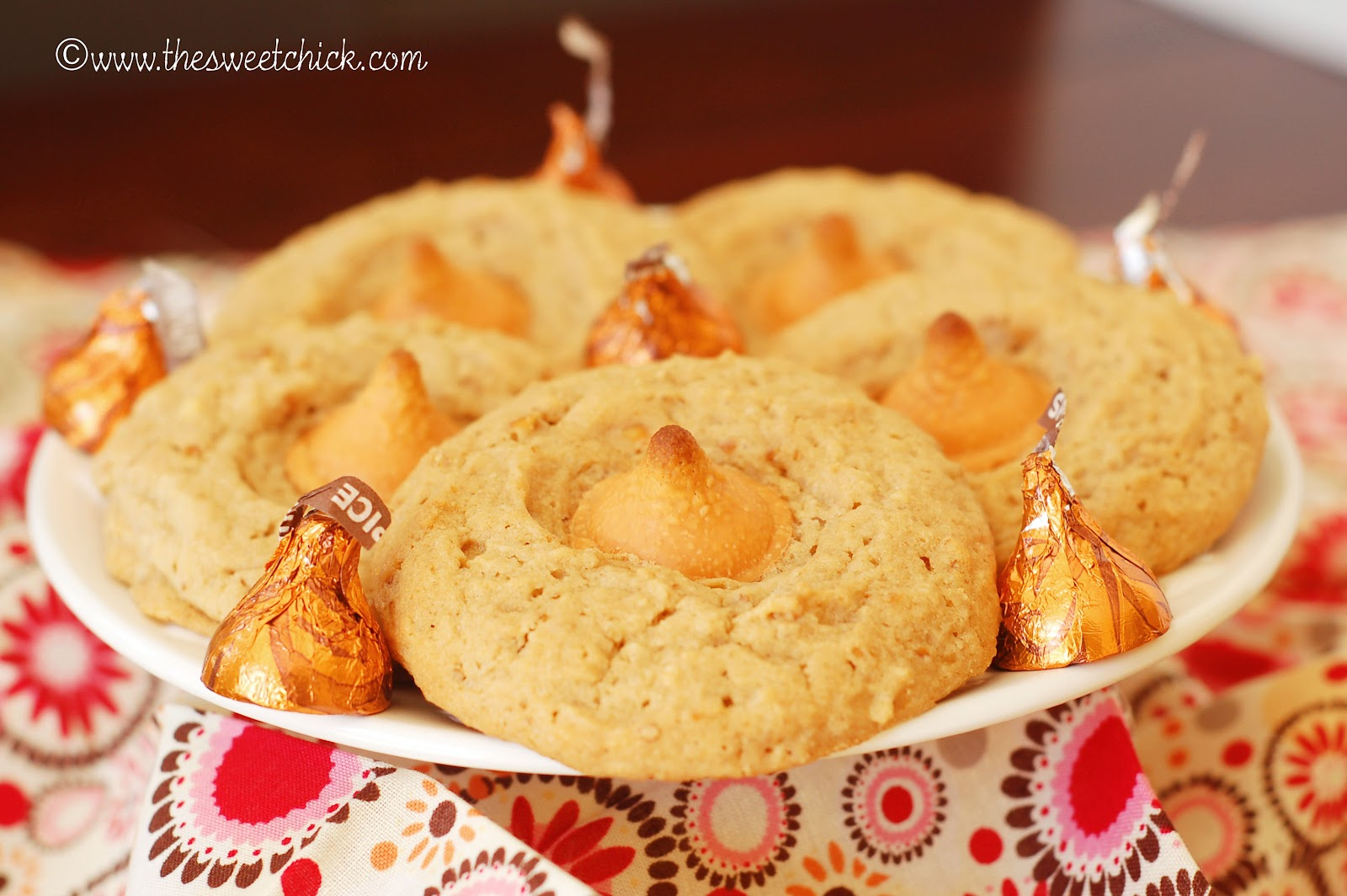 The Sweet Chick: Biscoff Caramel Pretzel Cookies with Pumpkin Spice ...