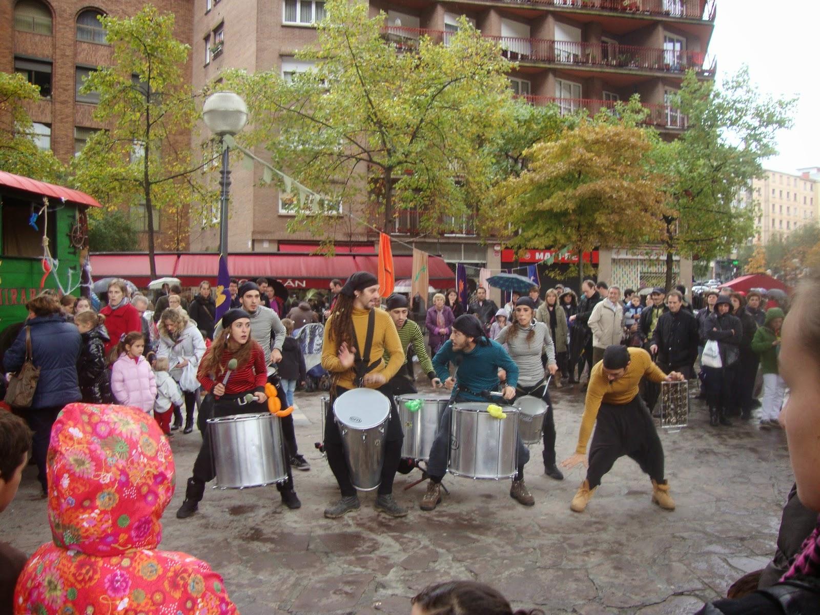 Batucada, samba, desfile, representaciones teatrales, sorpresas, bodas ...