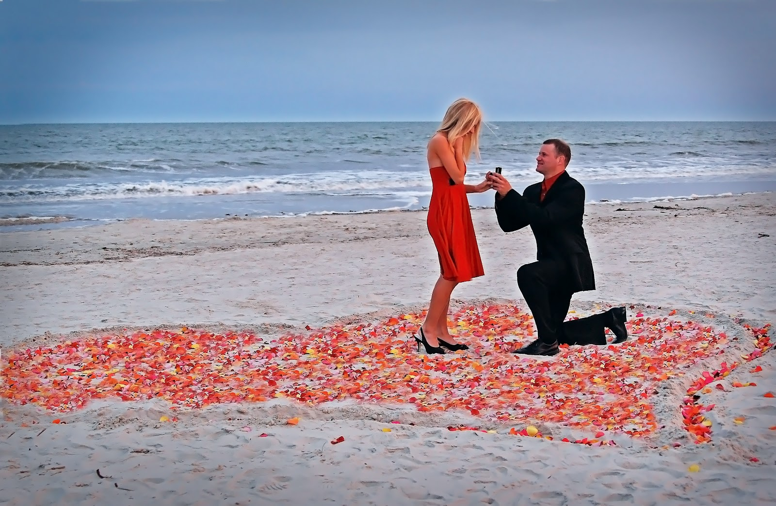 http://2.bp.blogspot.com/-C9OZPzLILSc/UTjDVwvGeDI/AAAAAAAATdI/R8KbOc1AfYs/s1600/romantice-couple-in-love+(5).jpg