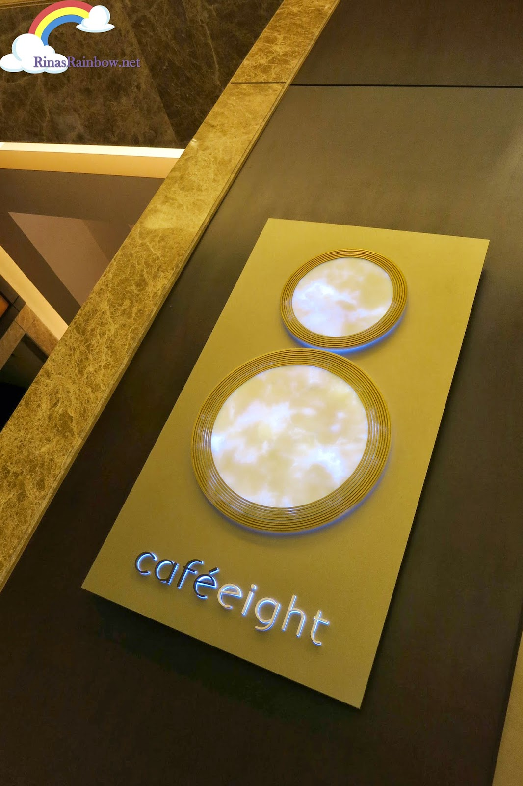cafe eight facade
