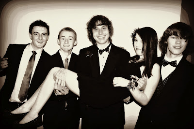 Prom, teens, friends