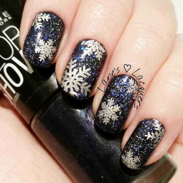 40-great-nail-art-ideas-winter-snowflake-glitter-nail-art (3)