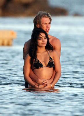 Vanessa Hudgens and Austin Butler Special Picture