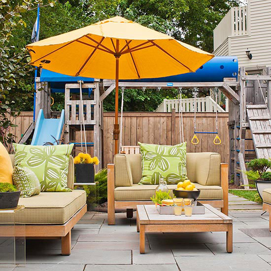 Colorful outdoor decorating for summer 2013 interior for Colorful backyard ideas