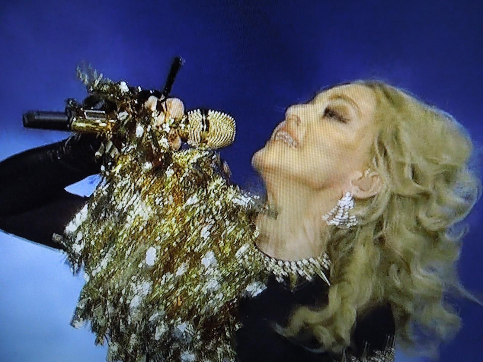 http://2.bp.blogspot.com/-CATN9RrZVTI/TzHxqwnveHI/AAAAAAAAKCQ/NYZcMcaVYG4/s1600/Madonna+Super+Bowl+042.JPG