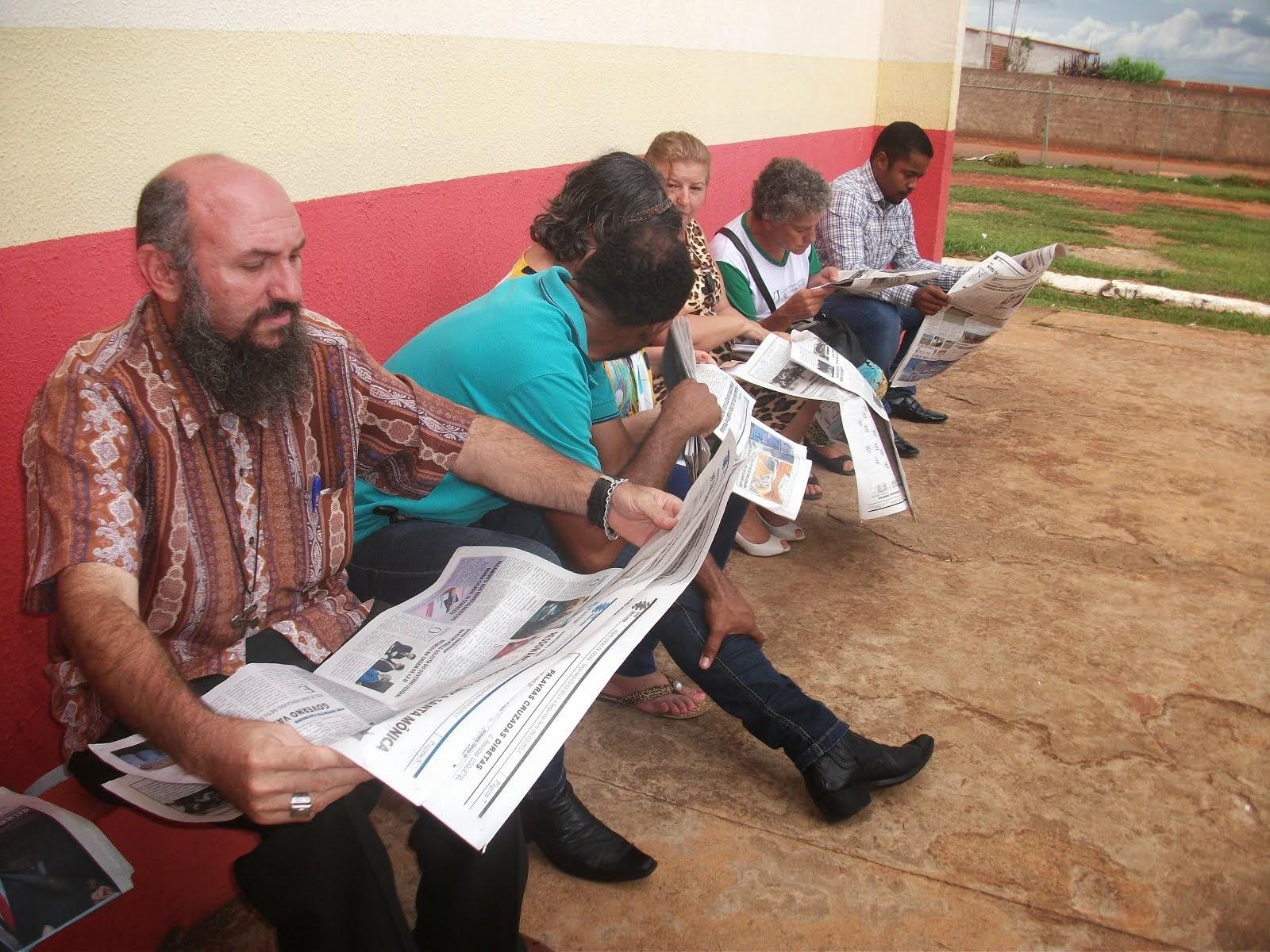 Repórter Catireiro Bomba com mais uma materia no Jornal Águas Lindas.