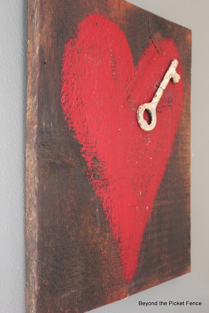key to my heart reclaimed wood heart art http://bec4-beyondthepicketfence.blogspot.com/2014/01/key-to-my-heart-reclaimed-wood-heart-art.html