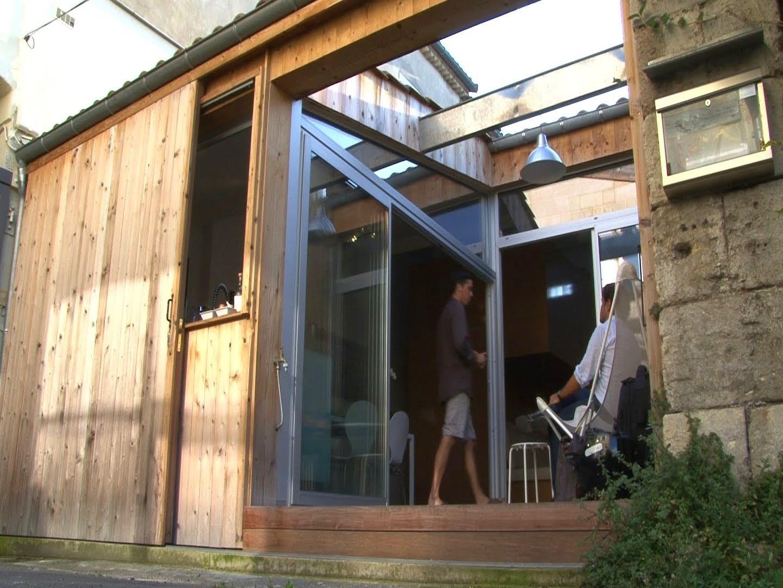 desain-interior-rumah-tinggal-modern-berawal dari-garasi-tua-007