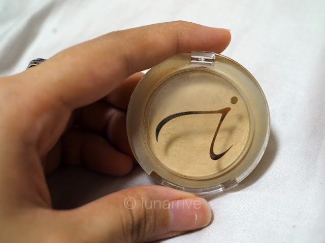Jane Iredale PurePressed Base SPF 20 Mineral Foundation Review Lunarrive Singapore Lifestyle Blog