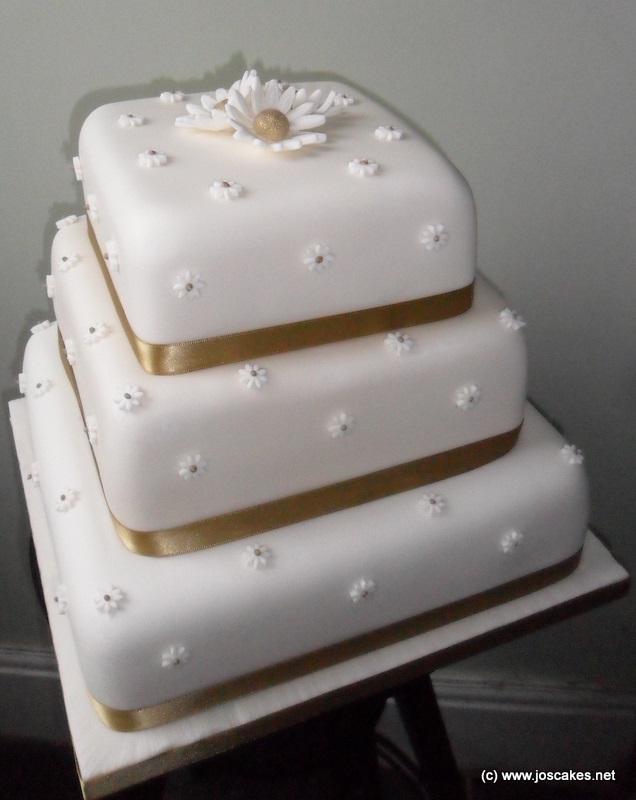 Castle hill huddersfield wedding cakes