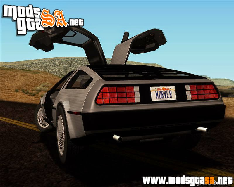 SA - DeLorean DMC-12 1982