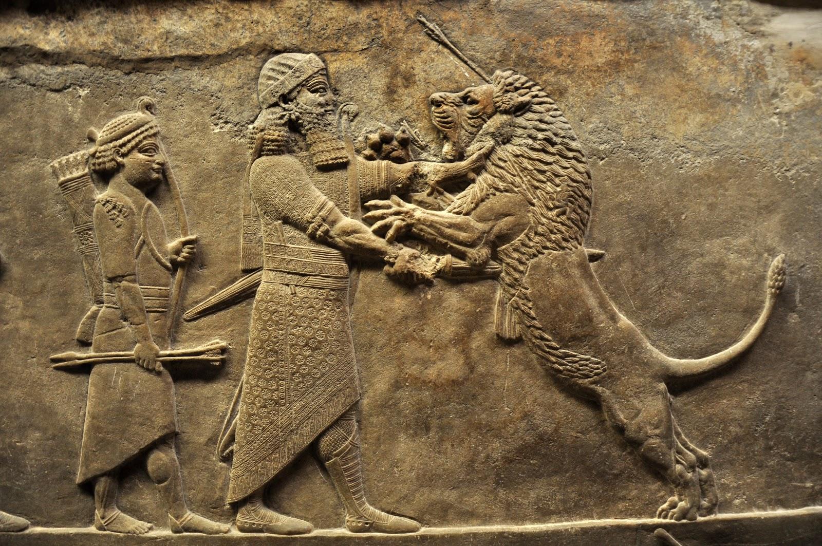 Assurbanipal matando a un le  243 n con sus propias manos Assyrian Gods