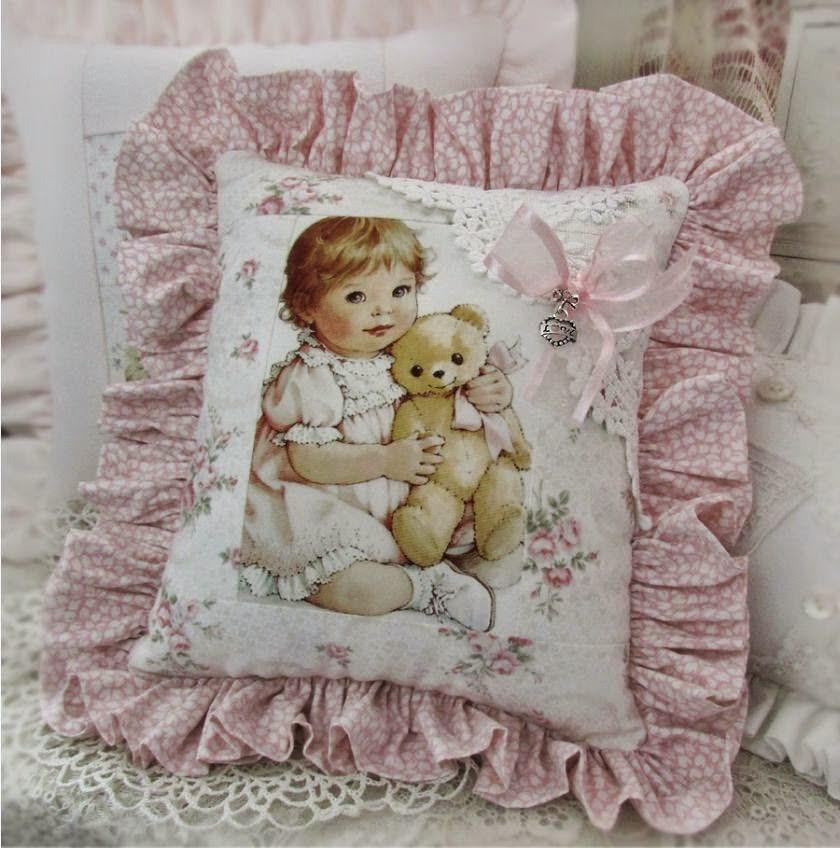 Cuscino bambina con orsetto