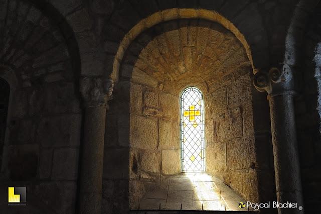 l'intérieur de l'église de la garde guérin photo pascal blachier