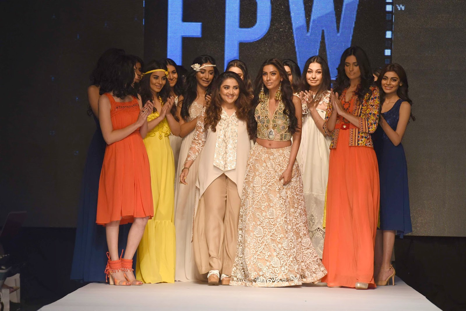 huma adnan with the models TFPW15