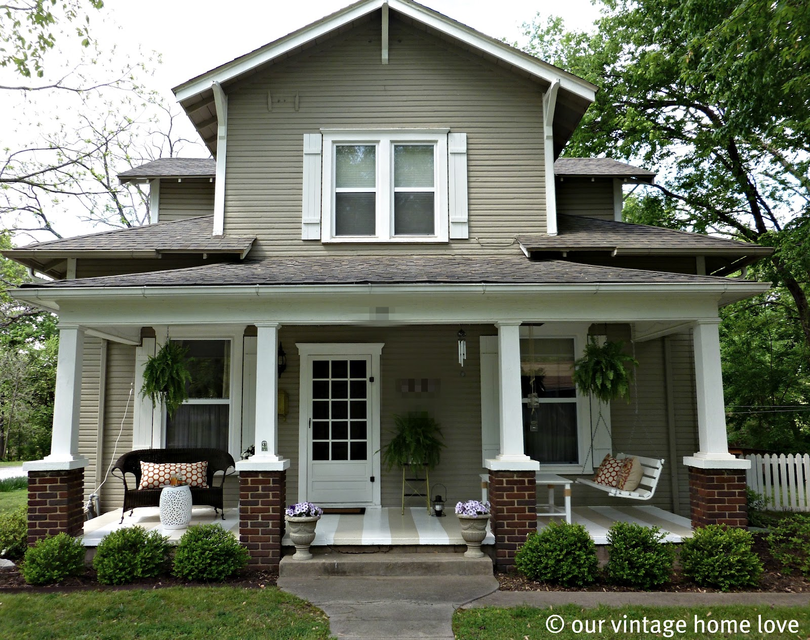Front Porch Ideas | Casual Cottage