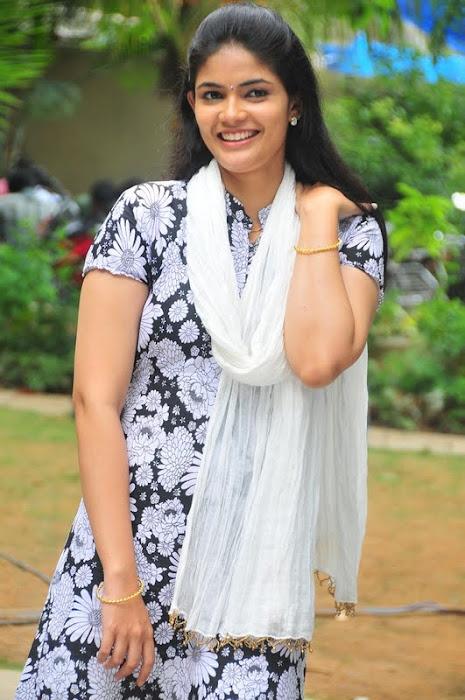 kalpika actress pics