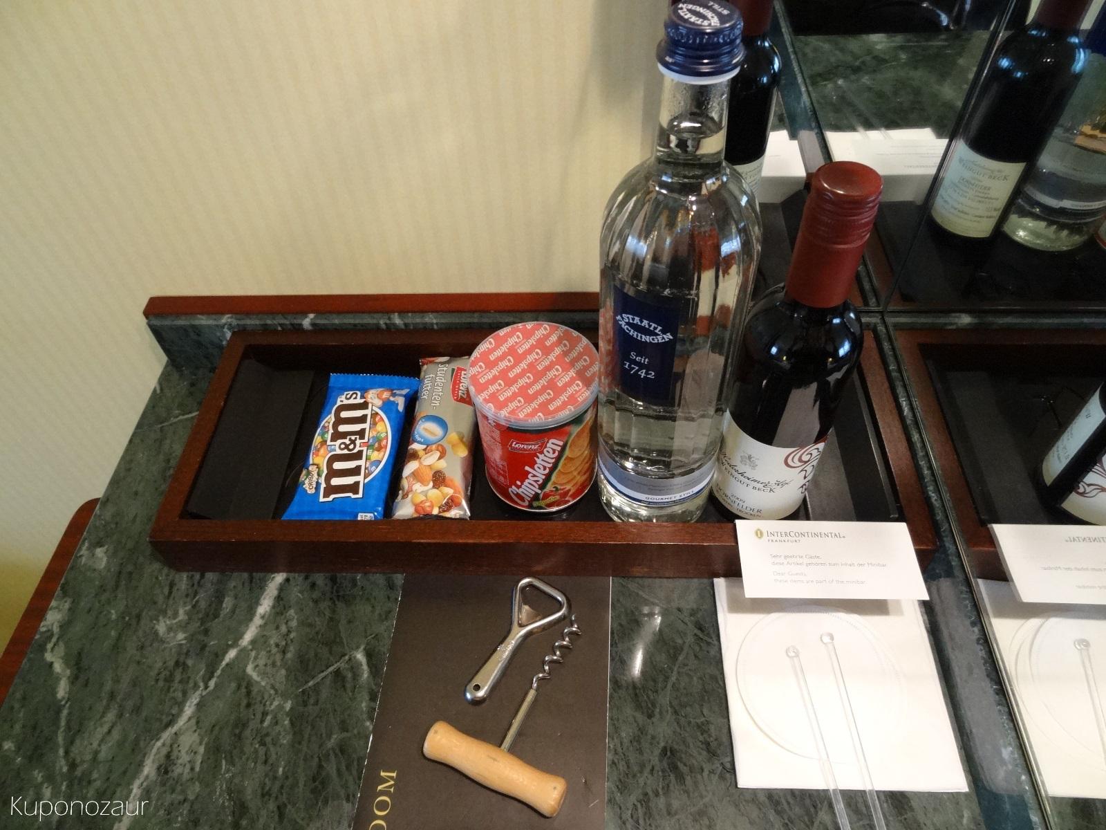 Hotel InterContinental Frankfurt minibar zewnętrzny
