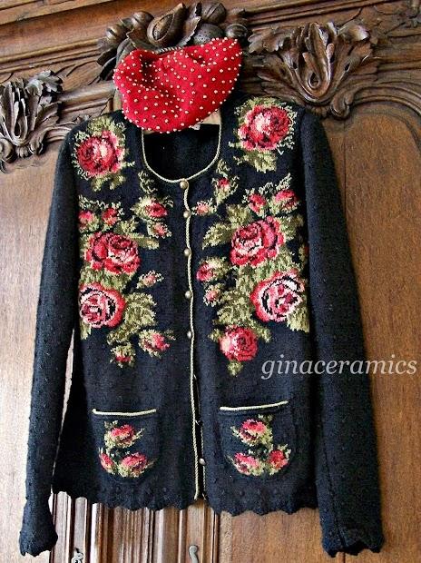 sweter z wrabianymi rozami