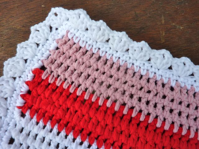 Crochet Patterns For Blanket Edges : My Rose Valley: Crochet baby blanket Little Rainbow - Voila!